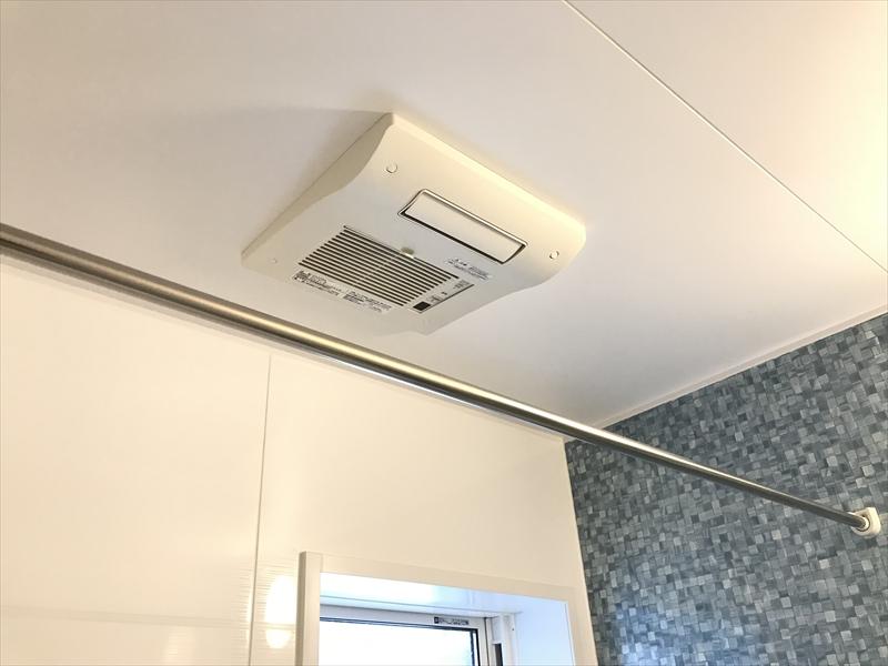 浴室換気乾燥暖房機も付けました‼️