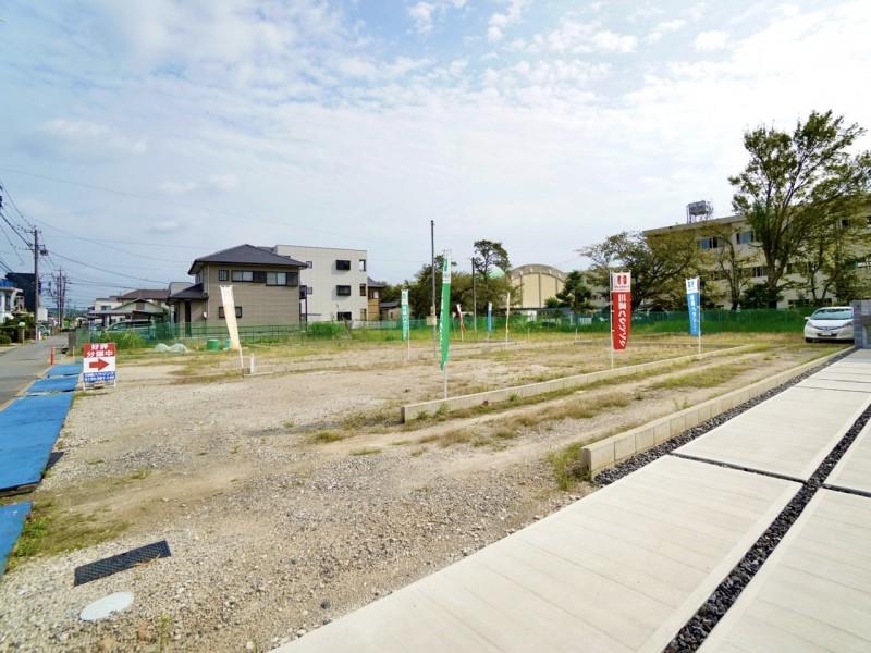 区画全体写真(北西側から撮影。右奥の建物は男川小学校)