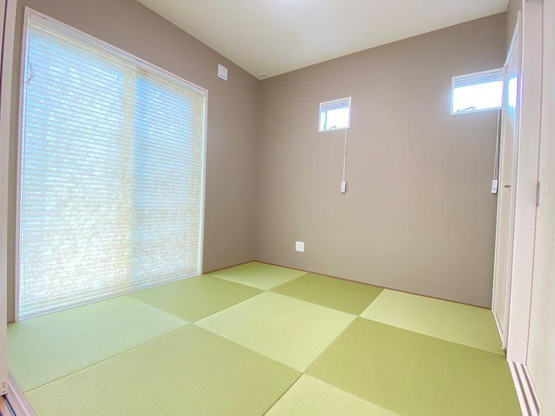 4.5帖の和室です。憩いの場や客間としても最適です。