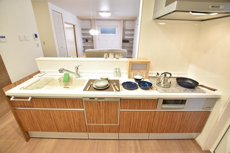 トレステージ白水ヶ丘2丁目4号地モデルハウス:キッチン