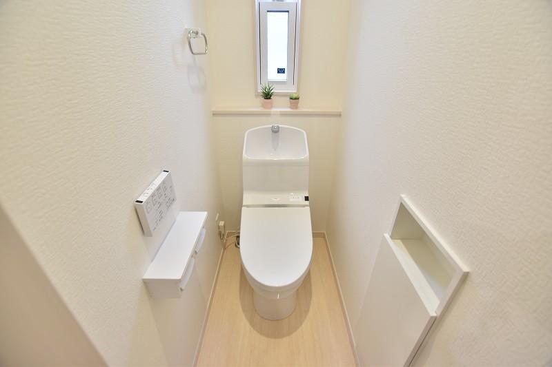 トレステージ白水ヶ丘2丁目1号地モデルハウス:トイレ