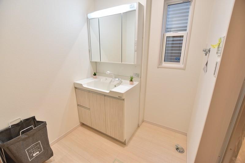 トレステージ白水ヶ丘2丁目1号地モデルハウス:洗面脱衣室