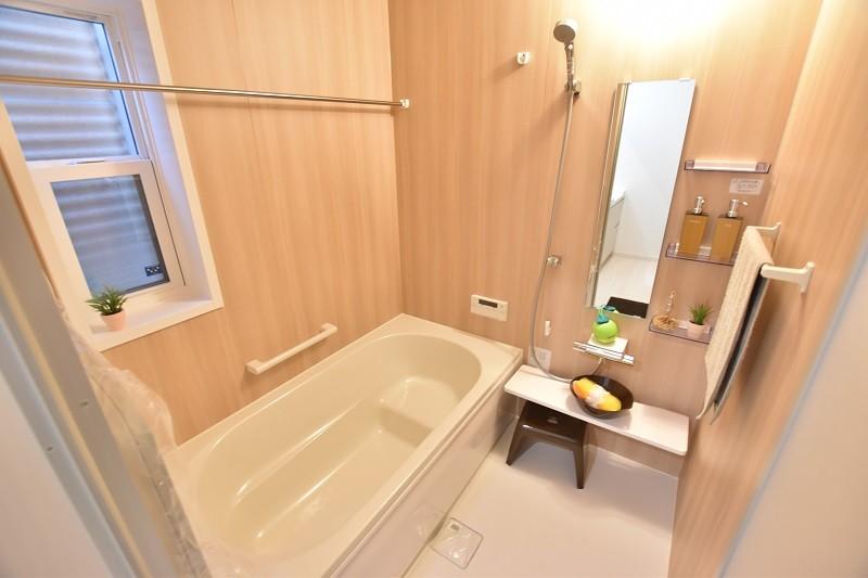 トレステージ白水ヶ丘2丁目1号地モデルハウス:浴室