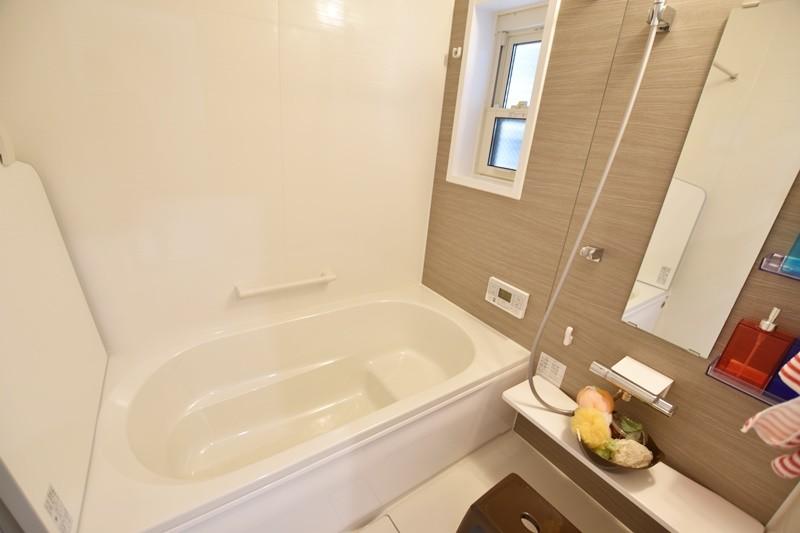 4号地:浴室断熱材と高断熱のふろふたによる断熱構造で、抜群の保温力を発揮します。