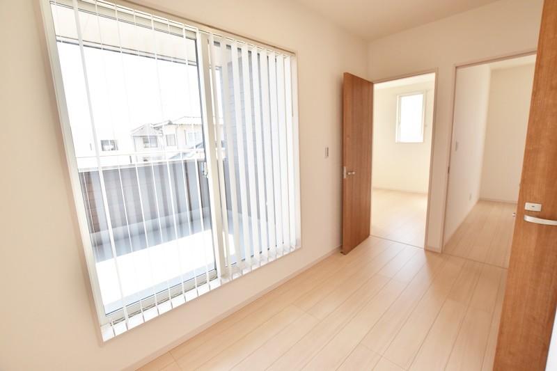 朝倉郡筑前町 新築一戸建て 6号地モデルハウス:2階の広々とした開放感ある廊下