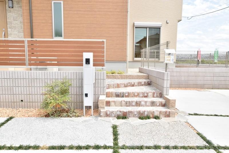 トレステージ広川中南Ⅱ 1号地モデルハウス:玄関ポーチ