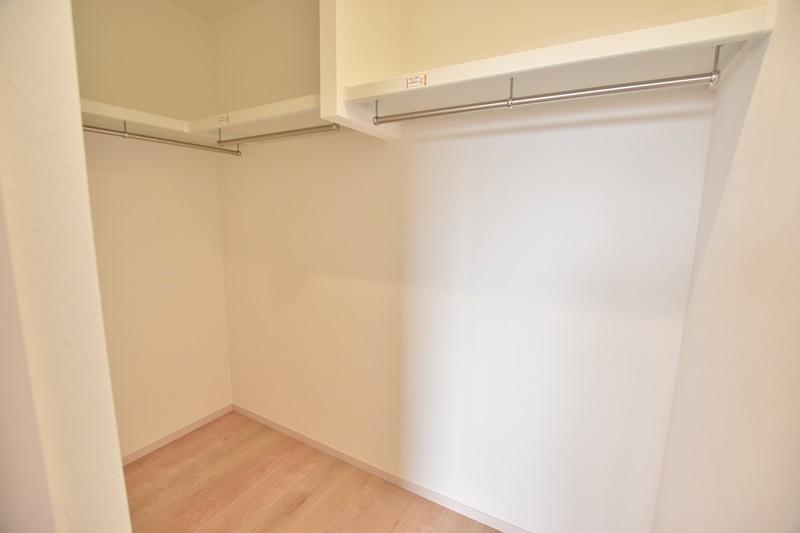 4号地:2階の主寝室にはウォークインクローゼットが!