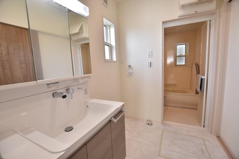 久留米市上津町 新築一戸建て 3号地モデルハウス:洗面脱衣室。