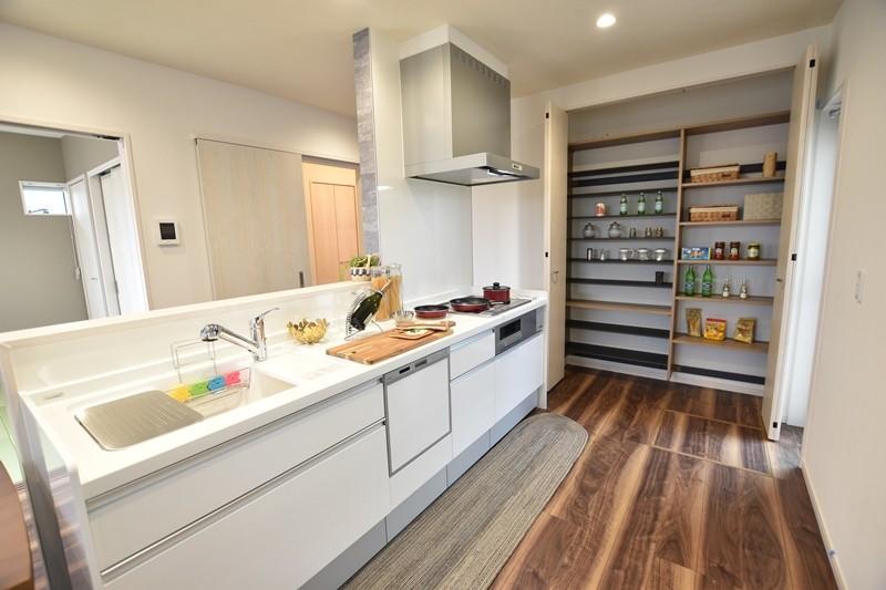 1号地モデルハウス:キッチン