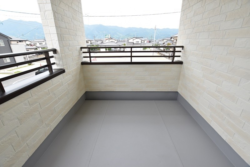 トレステージ善導寺小南7号地モデルハウス:2階バルコニー