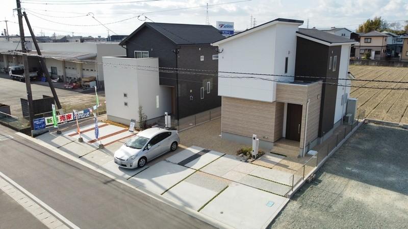2号地モデルハウスは駐車4台+αが可能です!