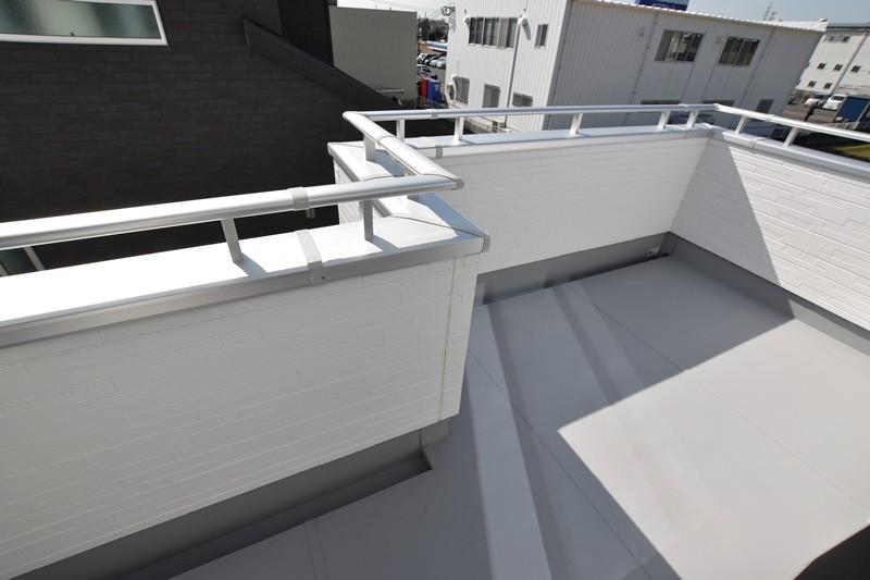 2号地モデルハウス:バルコニー