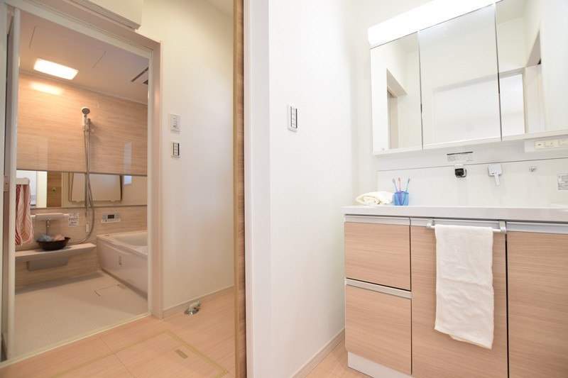 独立した洗面室・脱衣室を設けました。