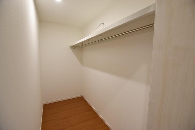 3号地モデルハウス:キッチンの後ろにファミリークロークを設けました!