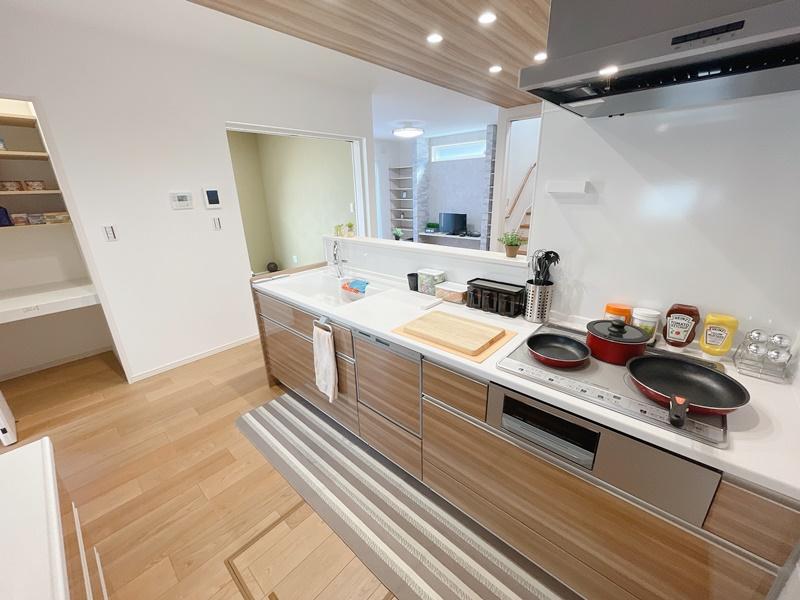 6号地モデルハウス:キッチン