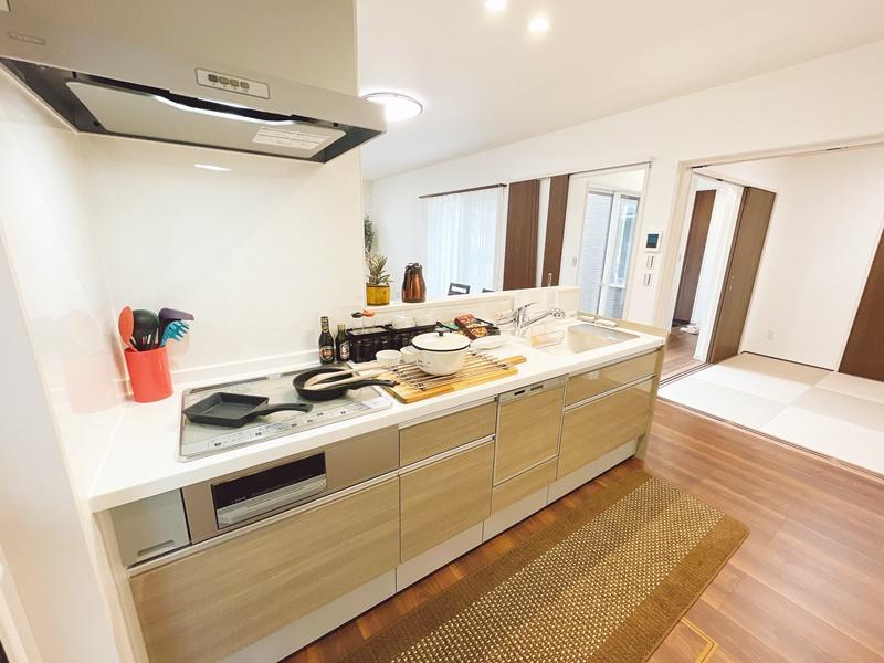[久留米市 新築一戸建て]5号地(平屋)モデルハウス:キッチン