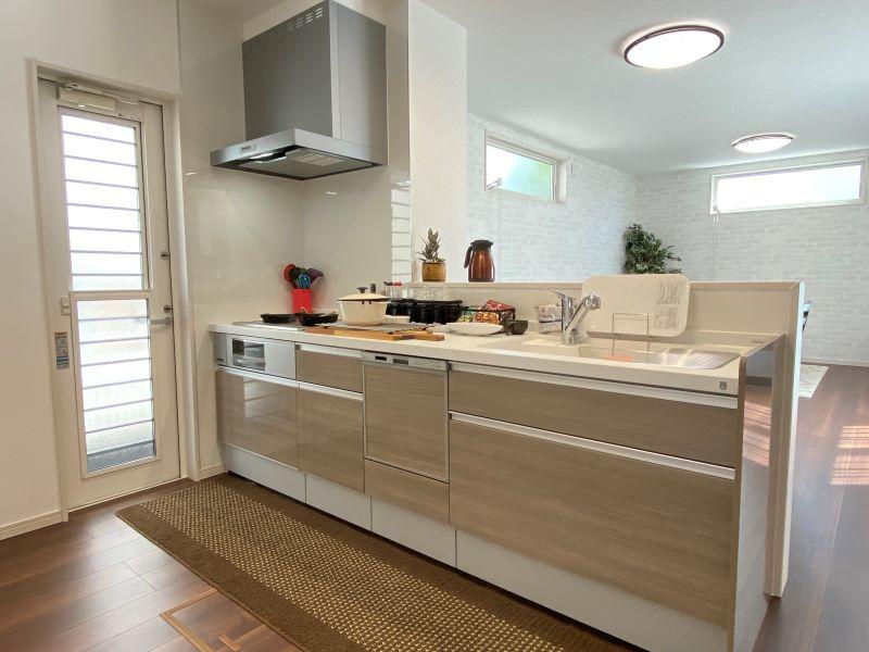食洗器付きの対面キッチン