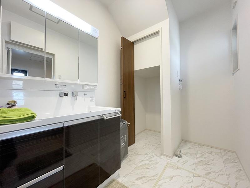 [筑後市 新築一戸建て]4号地モデルハウス:洗面脱衣室