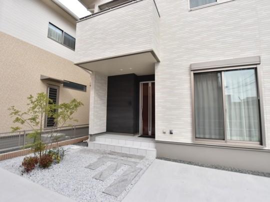 熊本市東区八反田1丁目 新築一戸建て 3号地モデルハウス・玄関