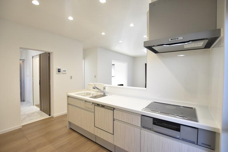 熊本市西区城山下代4丁目 新築一戸建て 1号地モデルハウス・会話の弾む対面式キッチン