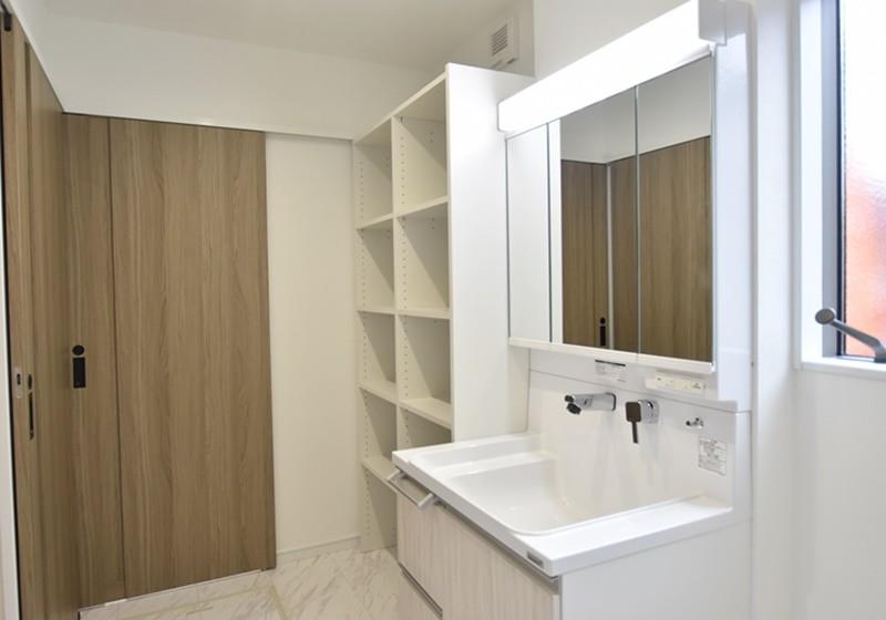 熊本市西区城山下代4丁目 新築一戸建て 1号地モデルハウス・可動棚付きの洗面脱衣室