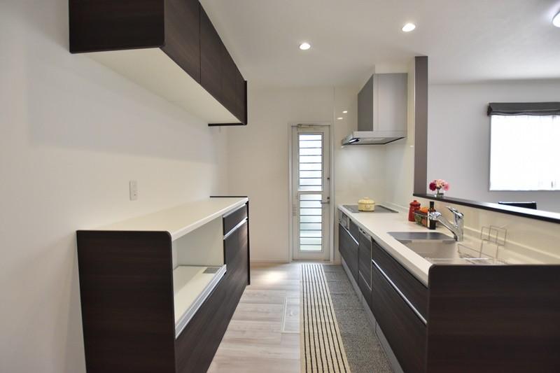 熊本市南区薄場2丁目 新築一戸建て 3号地モデルハウス・カップボード付き