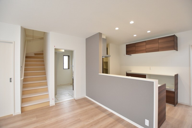 熊本市東区戸島西7丁目 新築一戸建て 5号地モデルハウス・リビング階段