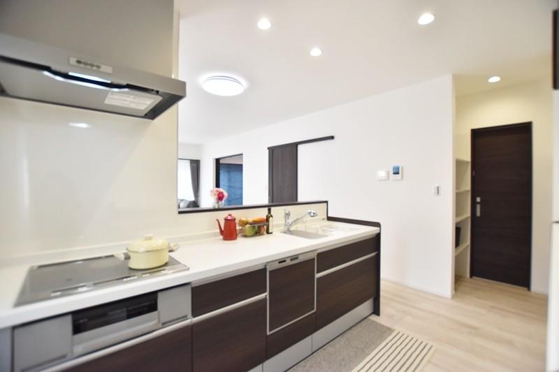 熊本市南区薄場2丁目 新築一戸建て 3号地モデルハウス・キッチン