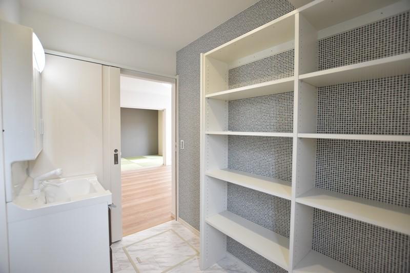 熊本市東区戸島西7丁目 新築一戸建て 5号地モデルハウス・可動棚付きの洗面脱衣室