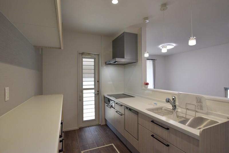 熊本市北区植木町投刀塚 新築一戸建て 4号地モデルハウス・キッチン