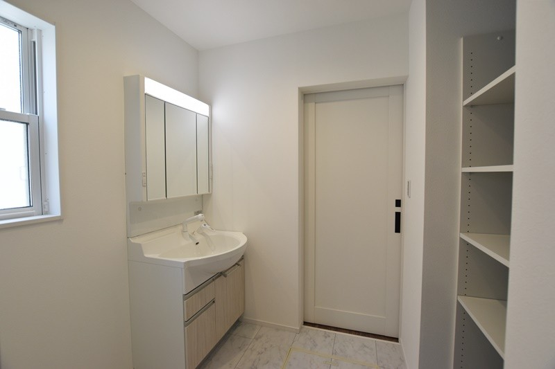 熊本市北区植木町投刀塚 新築一戸建て 4号地モデルハウス・洗面脱衣室