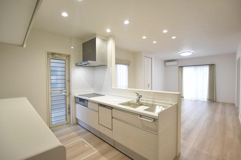 熊本市東区上南部2丁目 新築一戸建て 2号地モデルハウス・キッチン