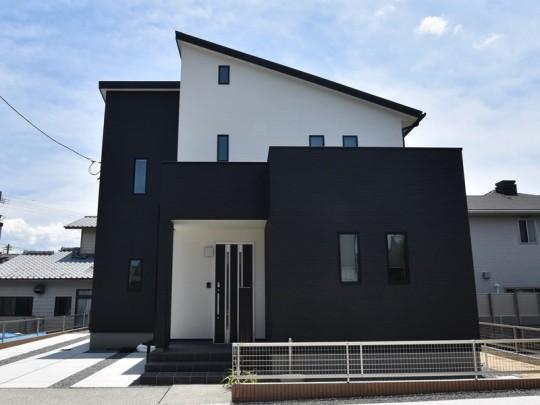 熊本市東区上南部2丁目 新築一戸建て 4号地モデルハウス外観