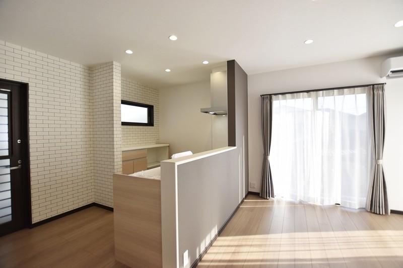 熊本市東区小山5丁目 新築一戸建て 4号地モデルハウス・ダイニングキッチン