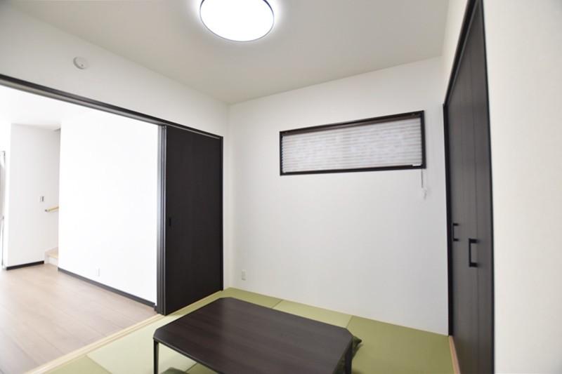 熊本市東区小山5丁目 新築一戸建て 4号地モデルハウス・リビングと続き間の和室