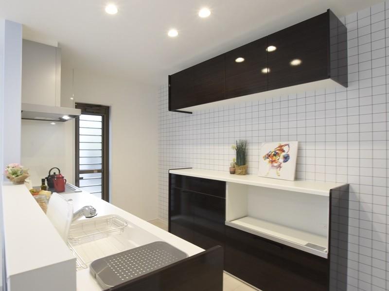 熊本市東区江津1丁目 新築一戸建て 2号地モデルハウス・カップボード付きのキッチン