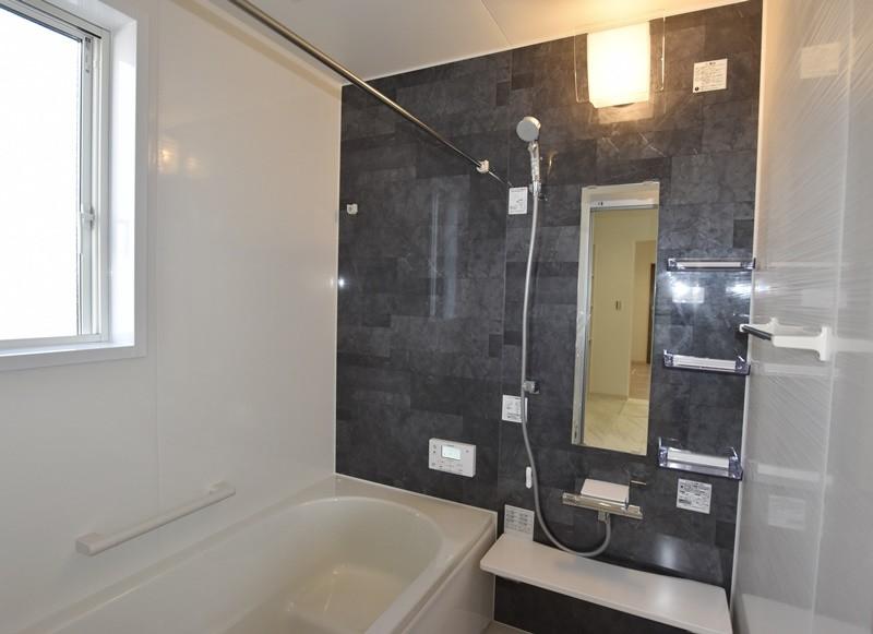 熊本市北区梶尾町 新築一戸建て 4号地モデルハウス・浴室換気乾燥機付きで室内干しにも便利な浴室