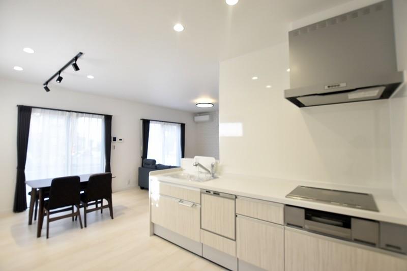 熊本市西区小島9丁目 新築一戸建て 5号地モデルハウス・キッチン