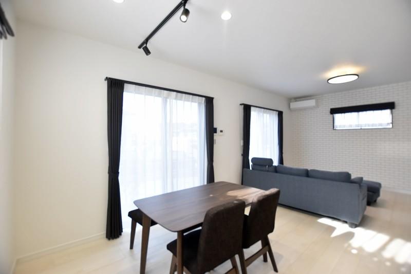 熊本市西区小島9丁目 新築一戸建て 5号地モデルハウスダイニング・リビング