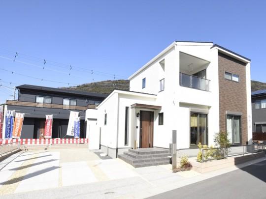 熊本市西区小島9丁目 新築一戸建て 8号地モデルハウス・ゆったりとした駐車スペースあり