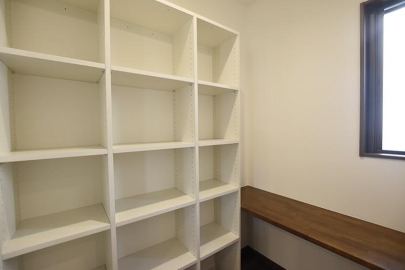熊本市南区八分字町 新築一戸建て 2号地モデルハウス・大容量のパントリー兼家事室