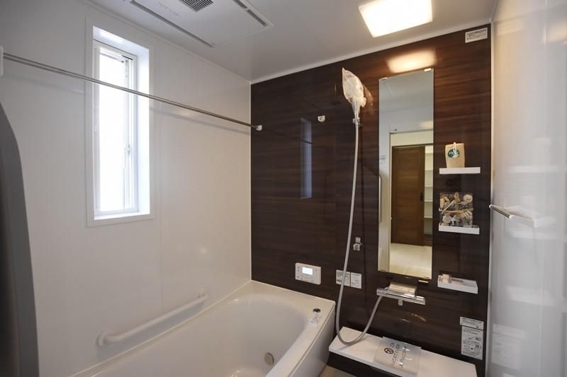 熊本市南区八分字町 新築一戸建て 2号地モデルハウス・浴室換気乾燥機付きで室内干しにも便利な浴室