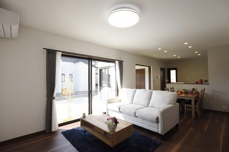 熊本市南区八分字町 新築一戸建て 2号地モデルハウス・日当たり良好のLDK