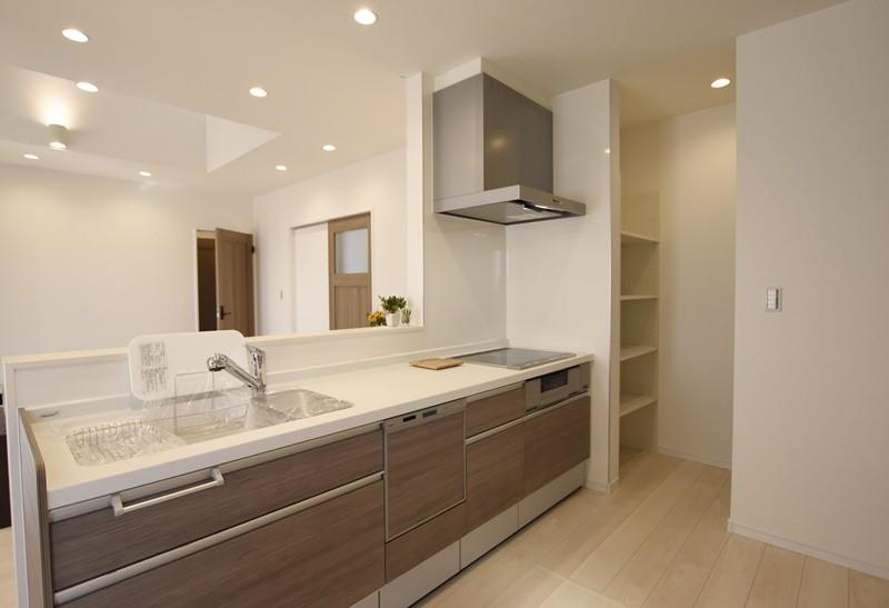 熊本市西区小島5丁目 新築一戸建て 11号地モデルハウス・会話の弾む対面式キッチン