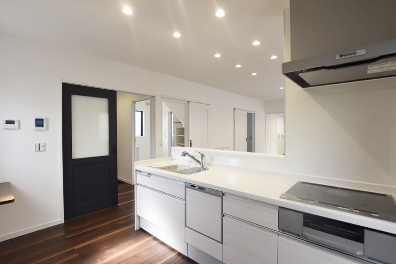 熊本市北区龍田5丁目 新築一戸建て 6号地モデルハウス・会話の弾む対面式キッチン