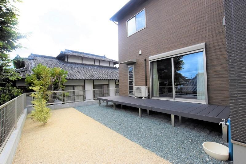 熊本市東区佐土原1丁目 新築一戸建て 3号地モデルハウス・ゆったりとしたお庭とウッドデッキ