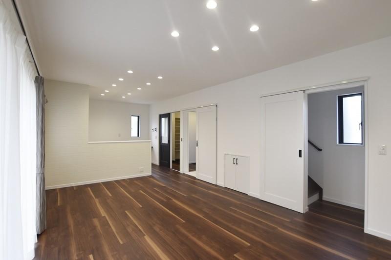 熊本市北区龍田5丁目 新築一戸建て 6号地モデルハウス・LDKを中心に各部屋につながっています。