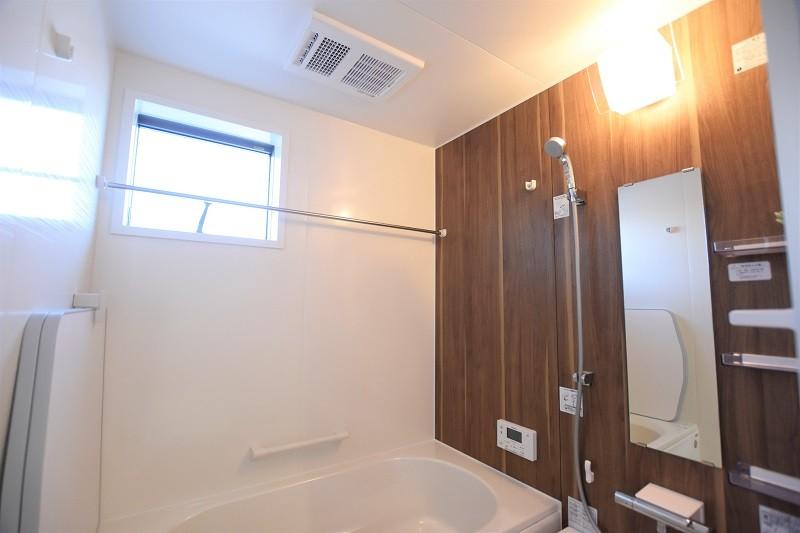 熊本市北区鶴羽田4丁目 新築一戸建て 2号地モデルハウス・浴室換気乾燥機付きで室内干しにも便利な浴室