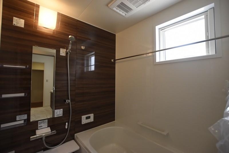 熊本市西区小島5丁目 新築一戸建て 2号地・浴室換気乾燥機付きで室内干しにも便利な浴室