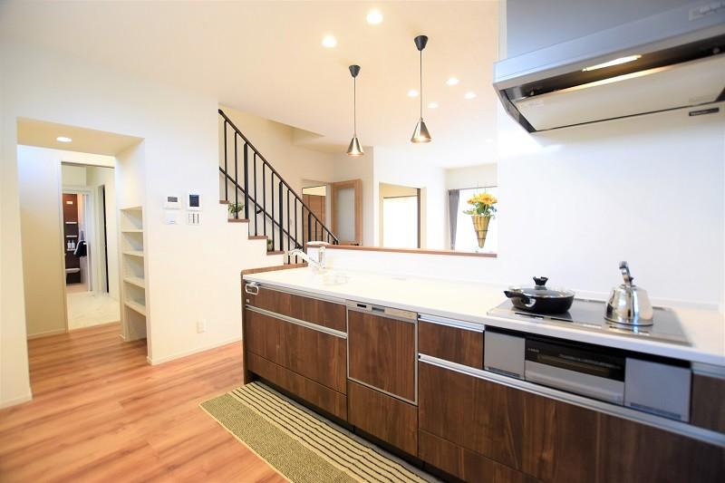 熊本市東区戸島3丁目 新築一戸建て 2号地モデルハウス・家事動線の良いキッチン